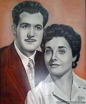 Retrato a carboncillo y sanguina de mis padres
