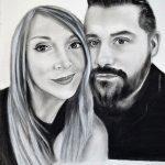 Retrato a carboncillo de pareja enamorada