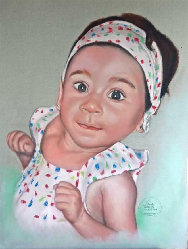 Niña-bebé-a-pastel