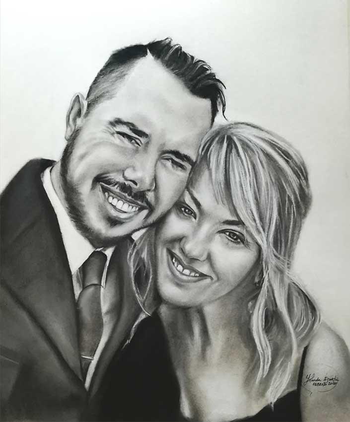 Retrato pareja pintado a carboncillo y lápiz